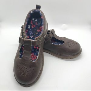 Osh Kosh B'gosh girls brown Mary Jane style shoes